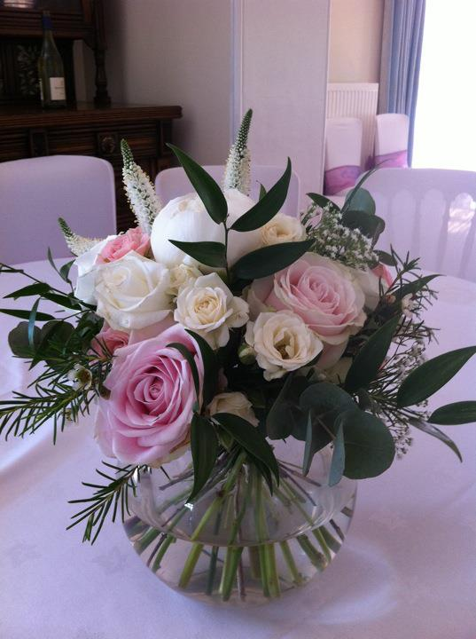 Pink and White Table Posies