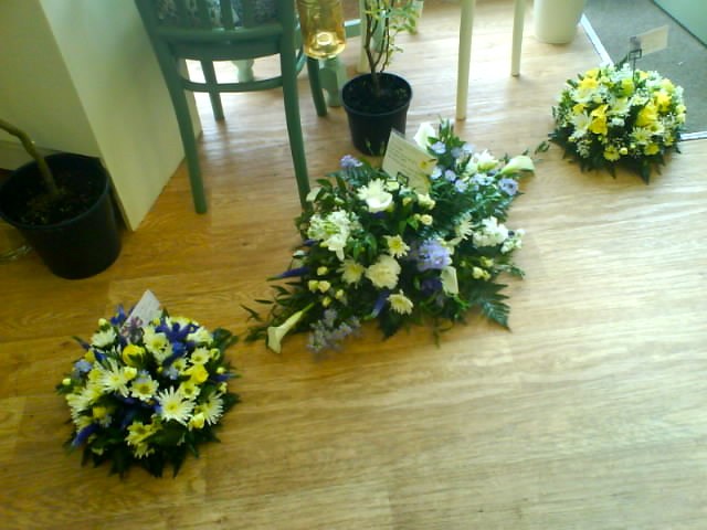 spray and posies in blue and white
