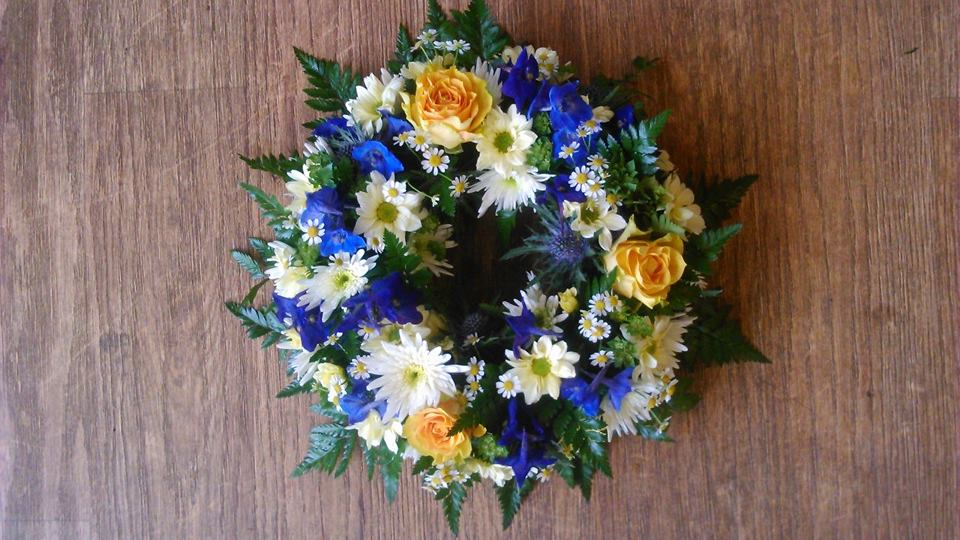yellow and blue wreath